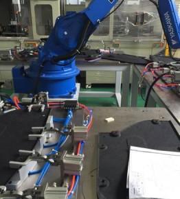 汽车底护板机器人超声波自动化焊接机