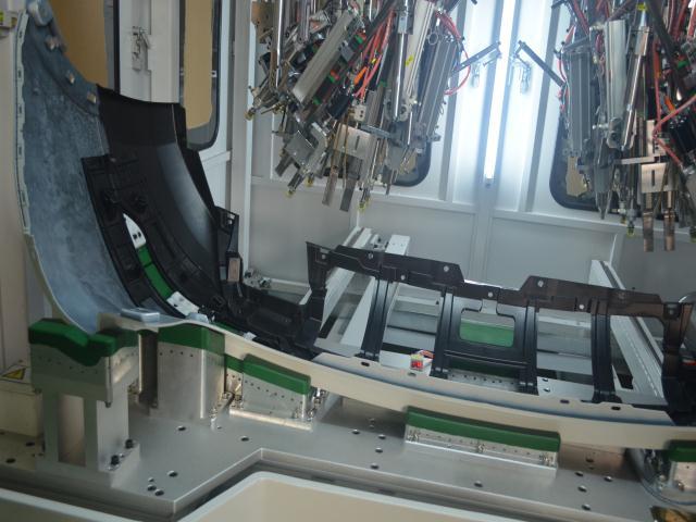 汽车保险杠左右雾灯支架超声波穿刺焊接机